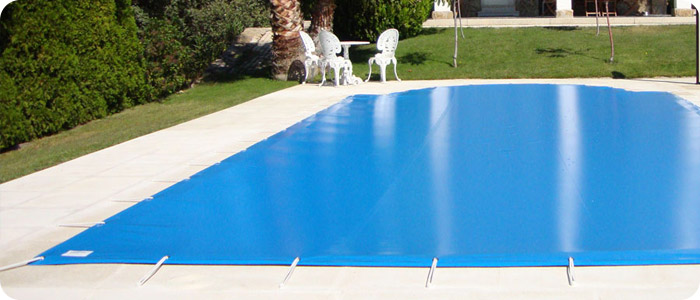 Choisir une protection de piscine adapt e pour la s curit for Bache de protection piscine